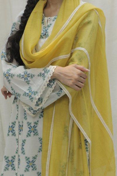 Dupatta with Lace details