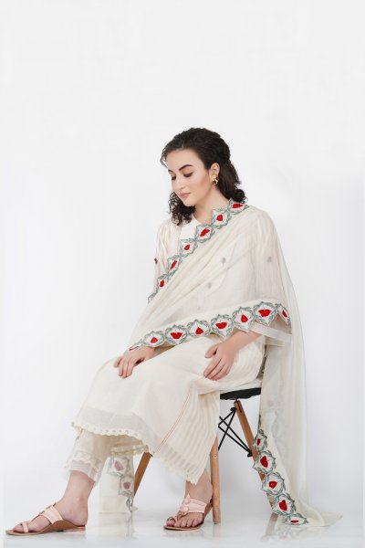 Scallop Flower Embroidered Dupatta