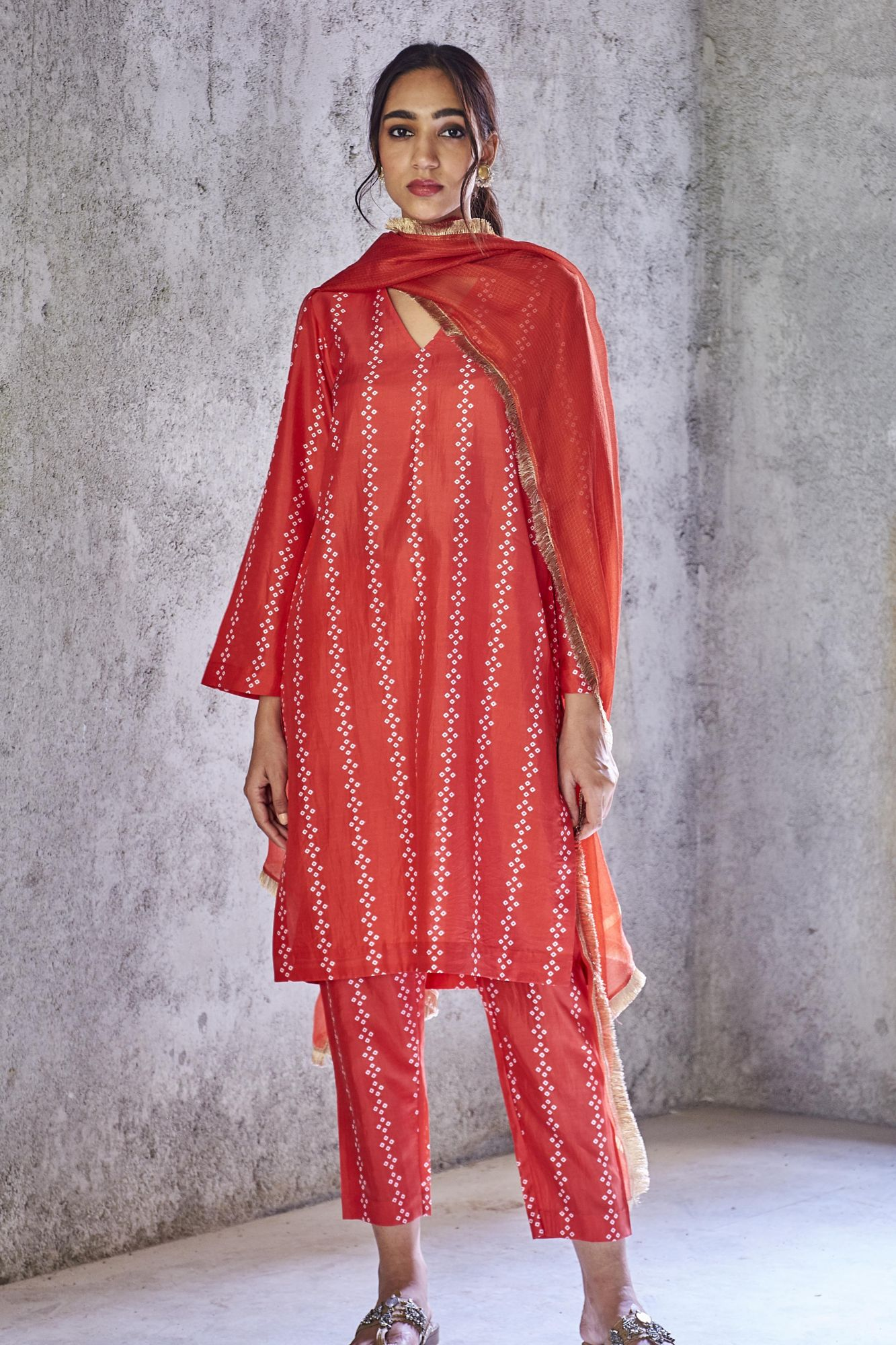 Bhavya Kurta And Pants Coord Set With Gold Fringe Dupatta