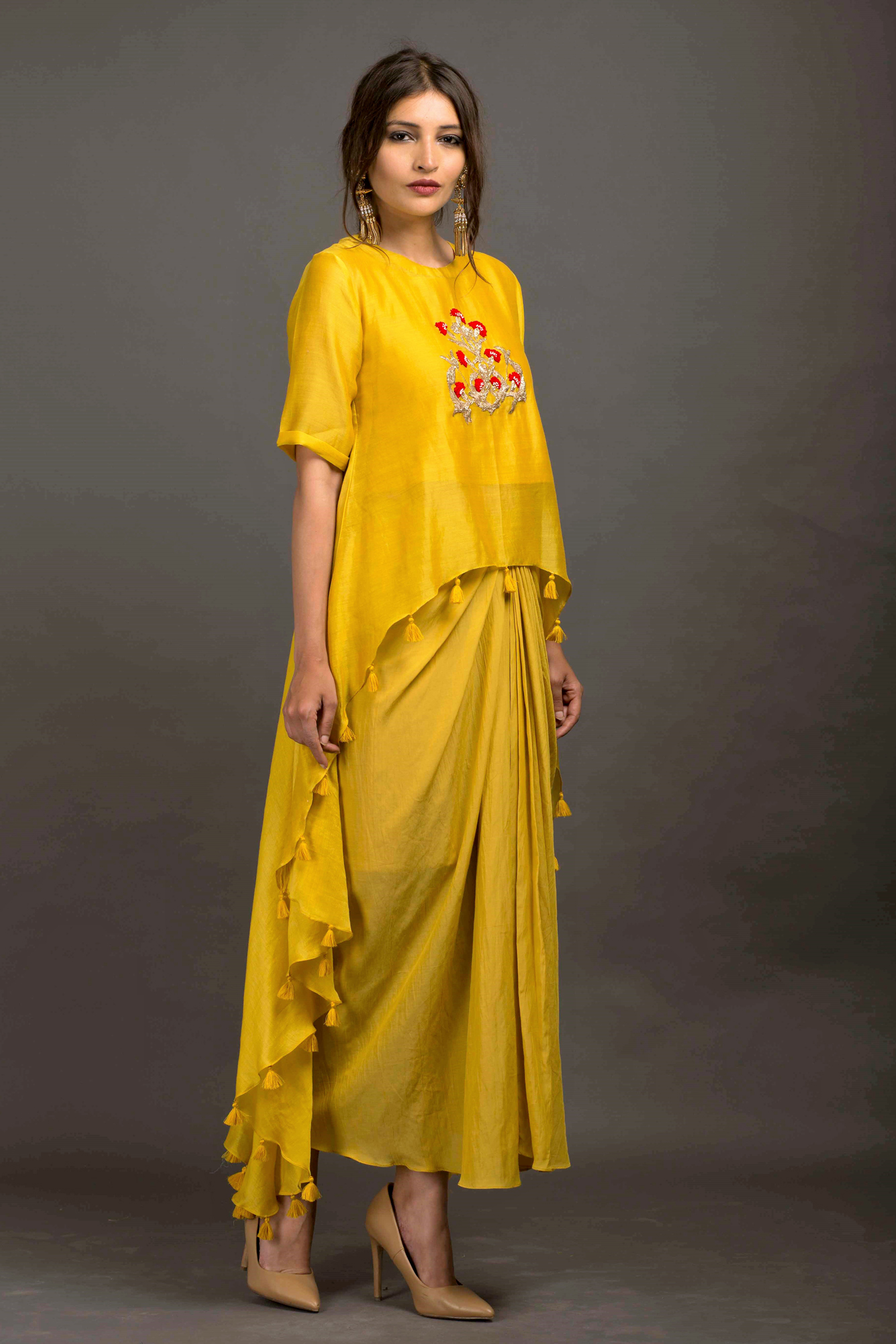 High Low Cape with Pleated Lungi